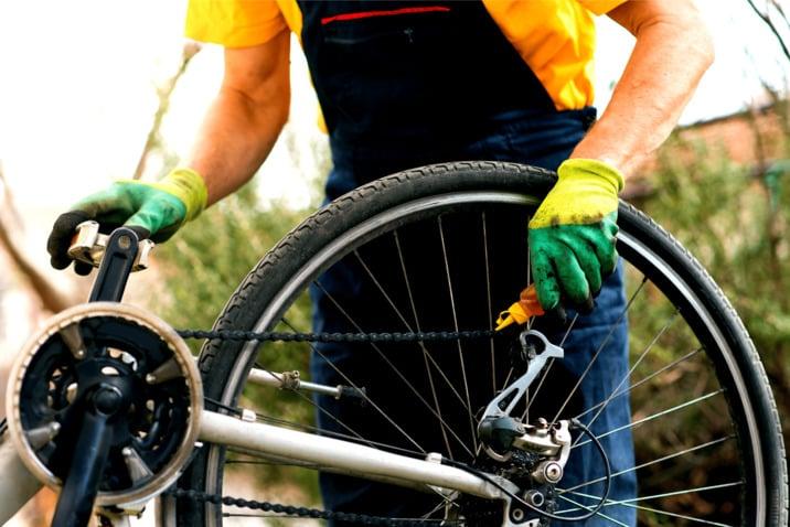 Lubricating Mountain Bike Chain